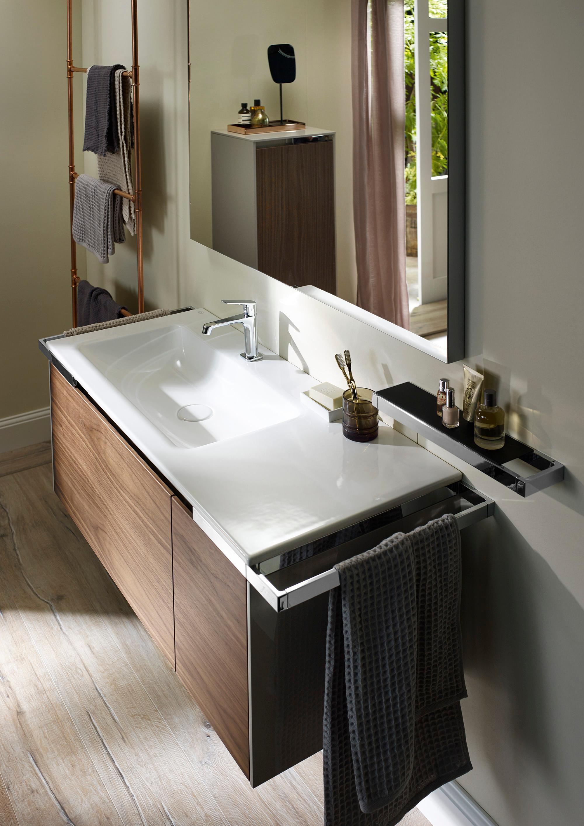 Schön Yso Waschtisch Mit Möbel In Nussbaum #bad #spiegel #schrank #waschtisch  #badmöbel