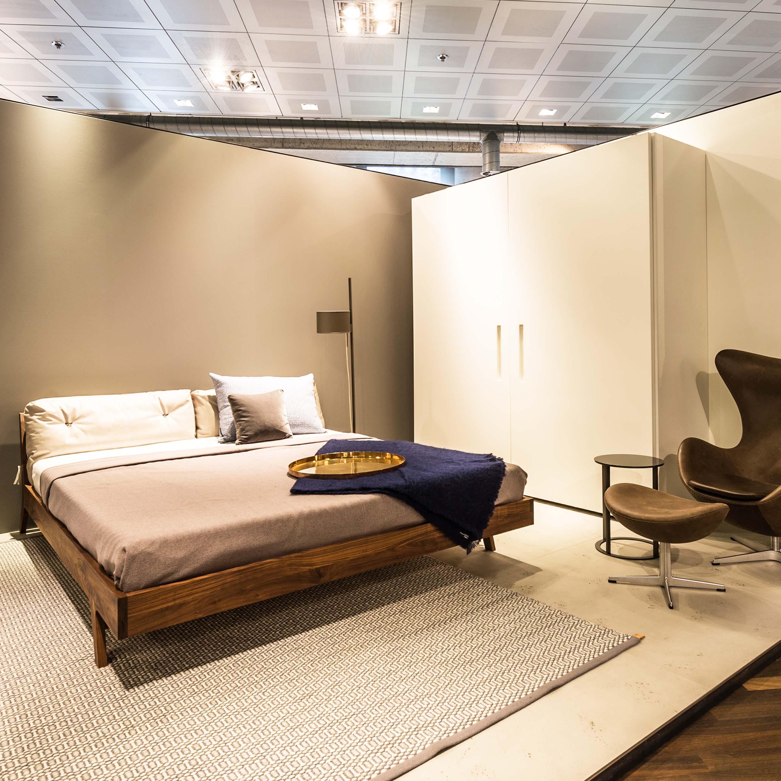 Zeitlos Bett C Minimum Einrichten Couch